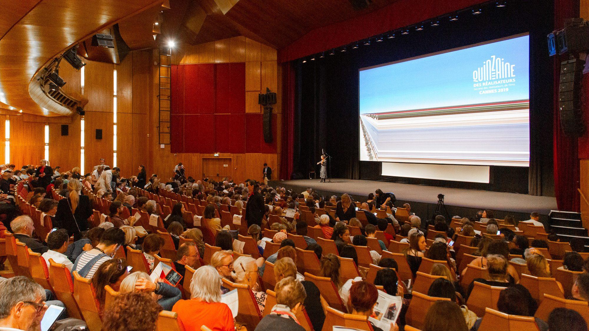 (Español) Mercados audiovisuales del mundo se adaptan a la crisis: tendrán versiones online y exhibiciones con asientos virtuales